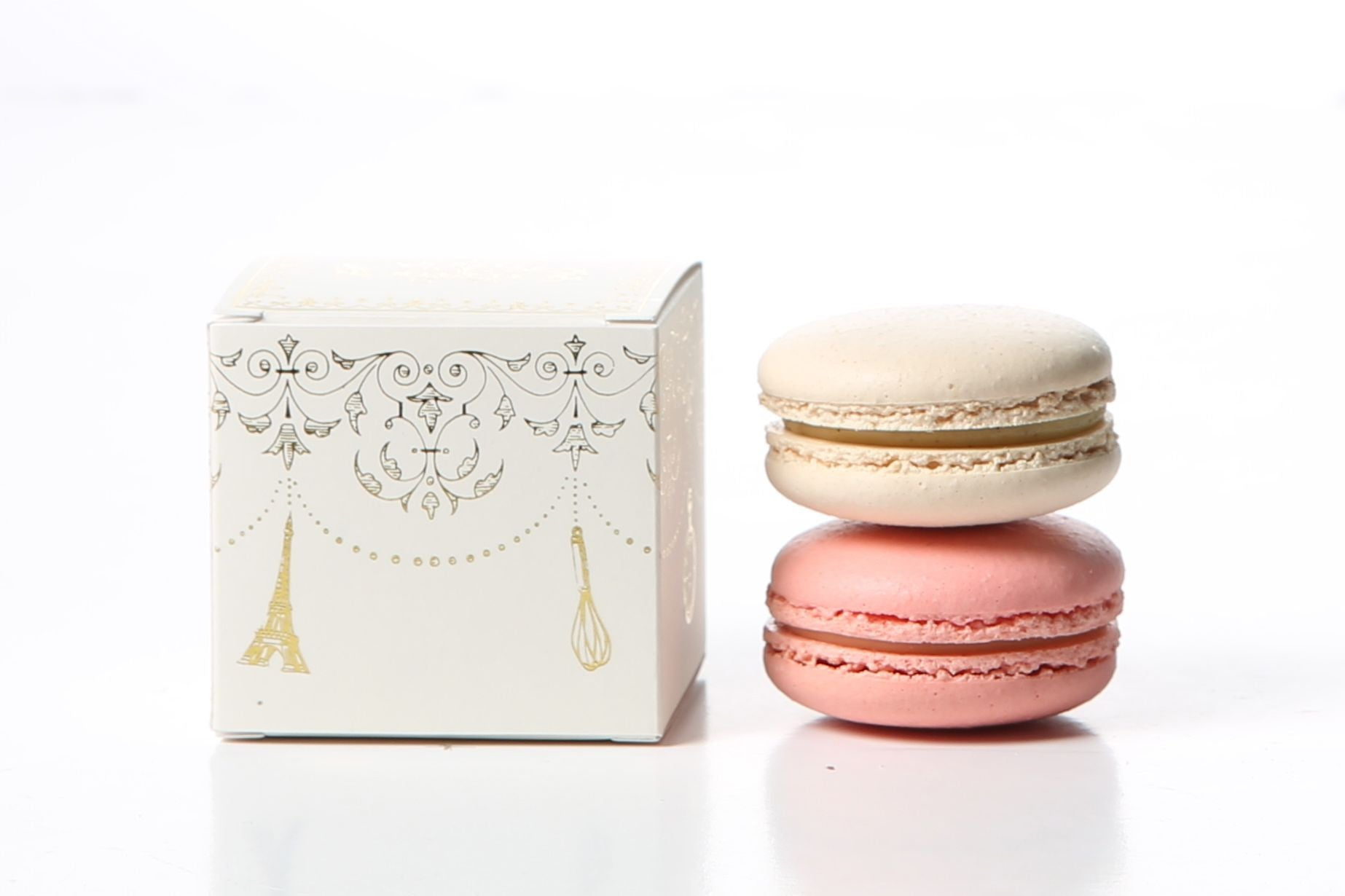 Cube box for two macarons (Ivory with gold)