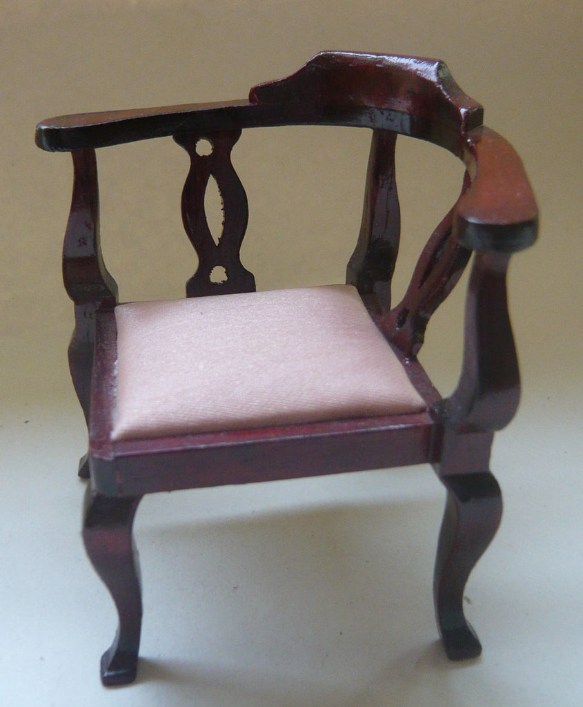 dollshouse corner chair