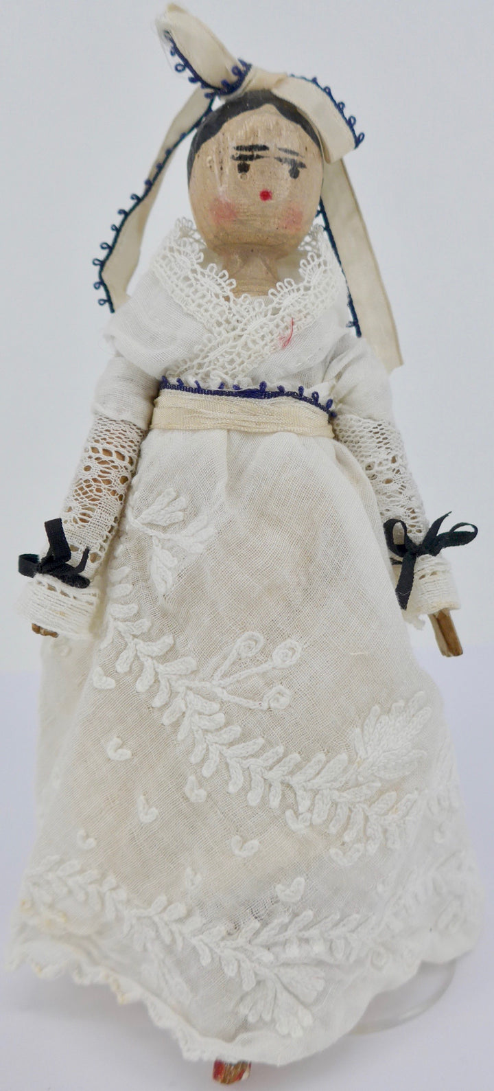 vintage jointed wooden peg doll, off-white