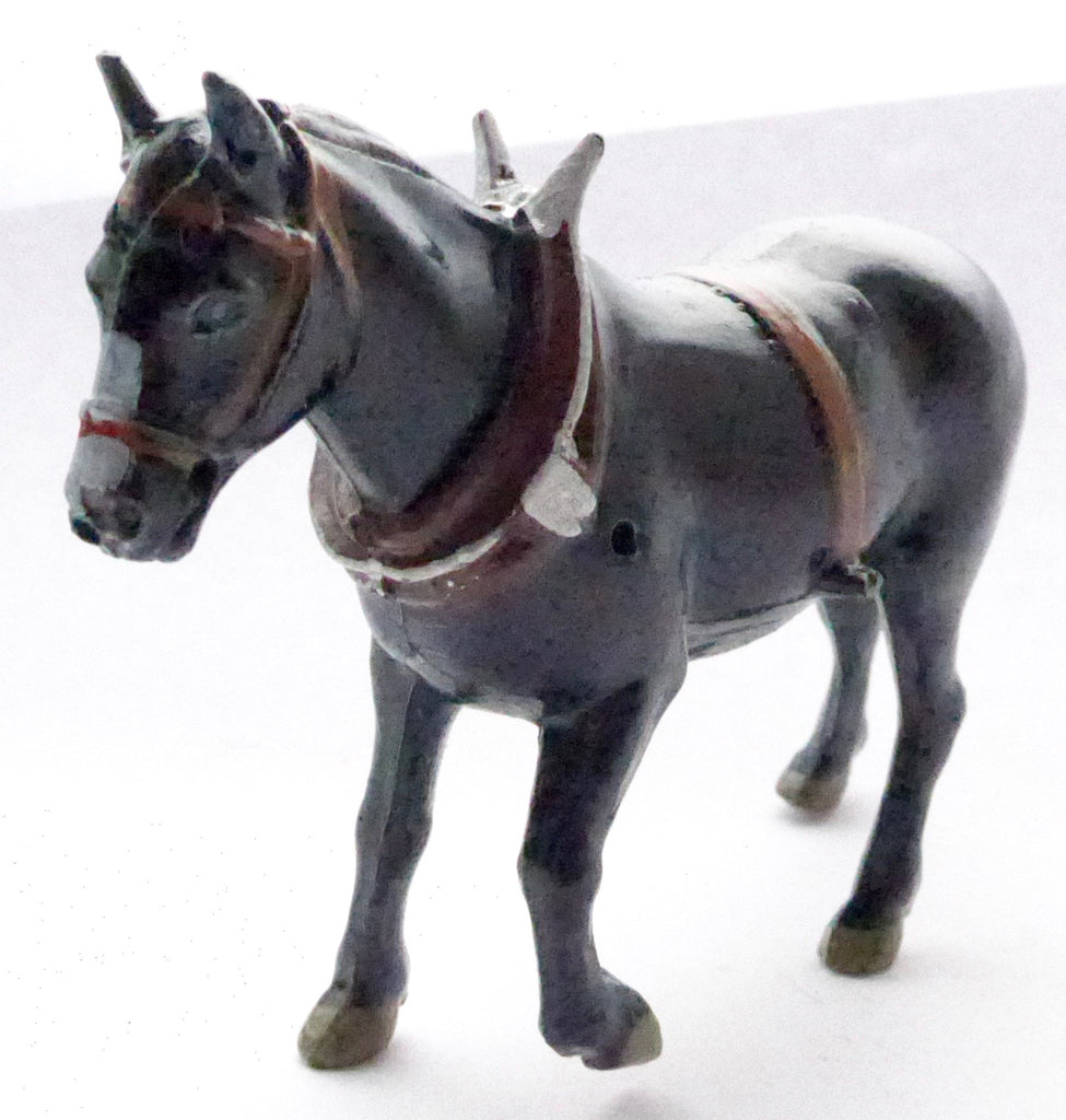 Britains field horse with collar, black