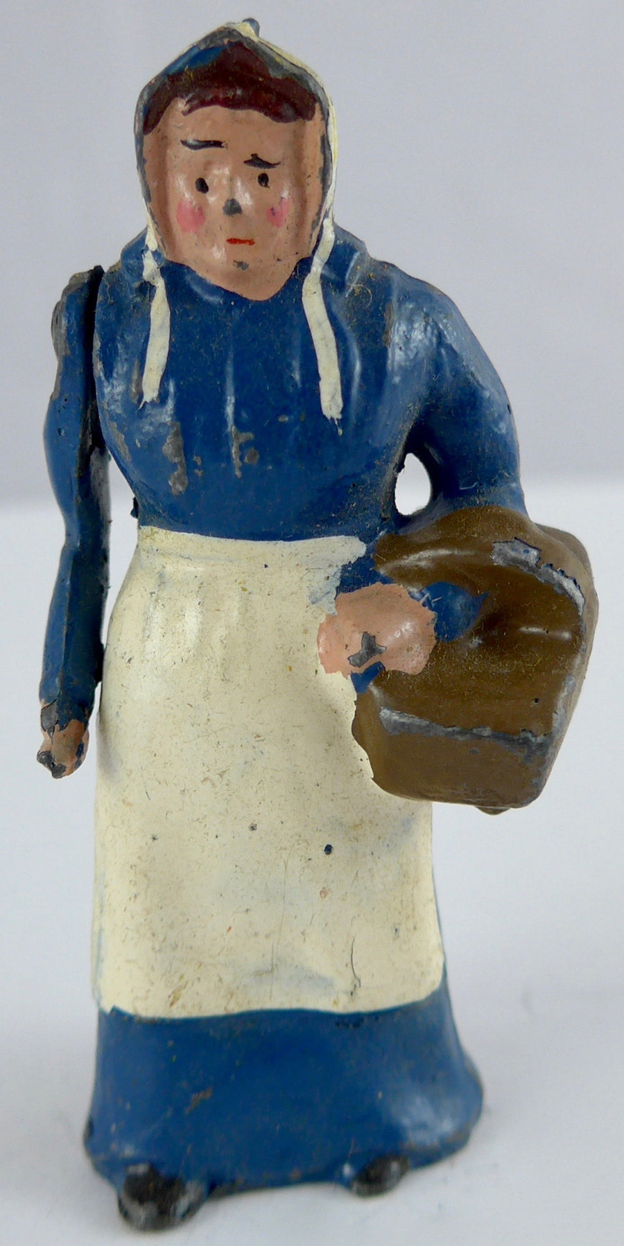 Britains farmer's wife with basket, blue