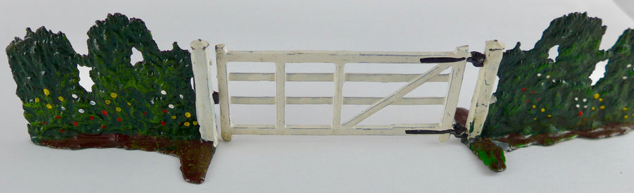 pair of Britains Miniature Gardening hedges and opening field gate