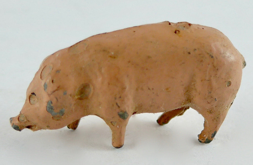 Britains pink piglet, head down