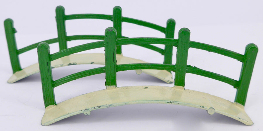 Kemlow Toys two-part bridge with handrails