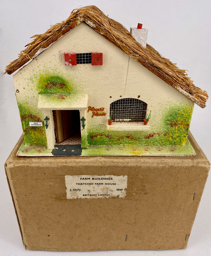 Britains boxed Farm Buildings Large Thatched Cottage 504F