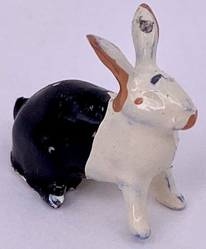 Britains black & white rabbit sitting from trade box