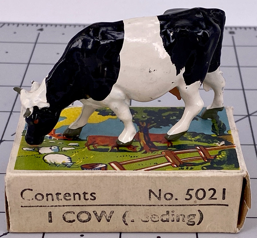 Britains Farm picture pack - feeding cow, black & white