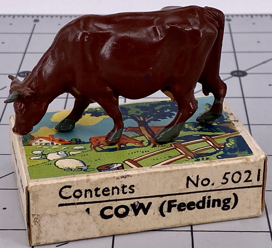 Britains Farm picture pack - feeding cow, brown