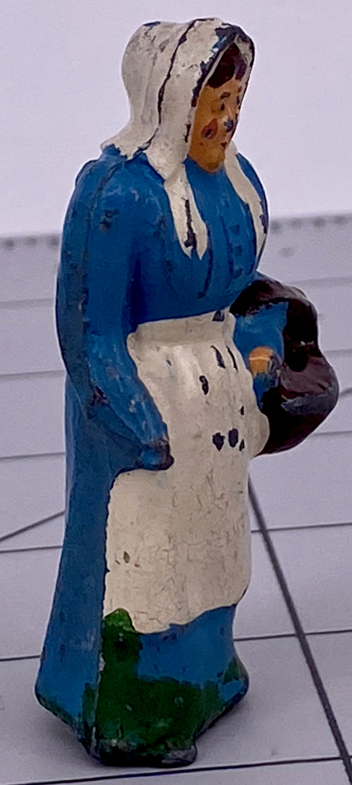 Britains farmer's wife, rare fixed arm, blue