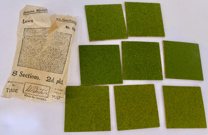 Britains Miniature Gardening packet of 8 lawn squares
