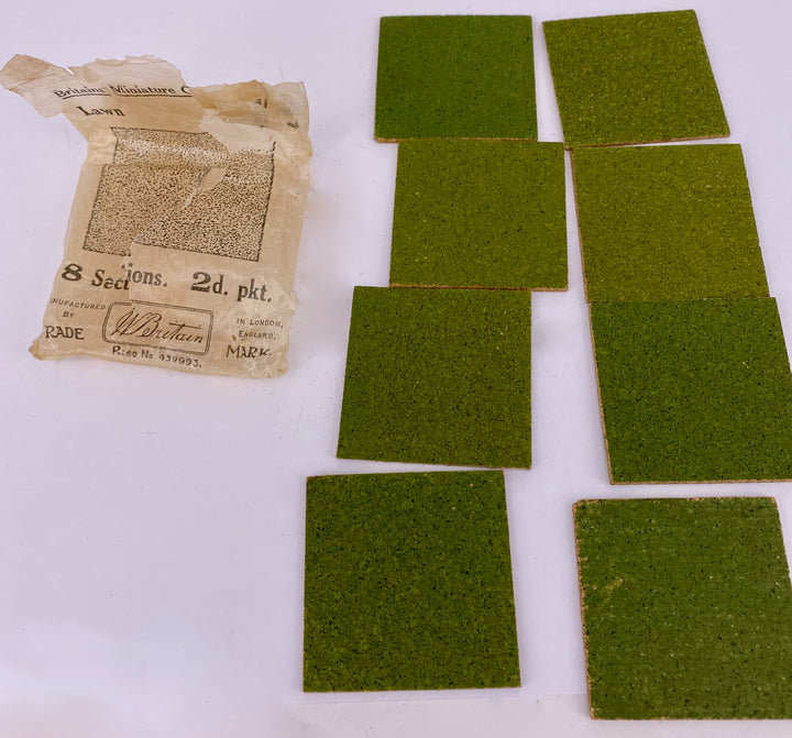 Britains Miniature Gardening packet of 8 lawn squares B