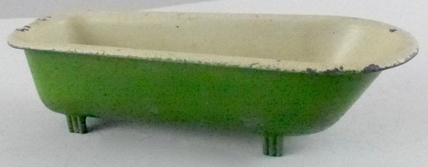 Freestanding green bath