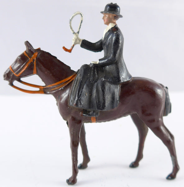 Britains Hunt Series huntswoman mounted sidesaddle