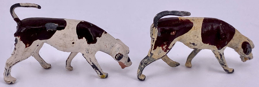 Britains fox hounds, set of two, heads down