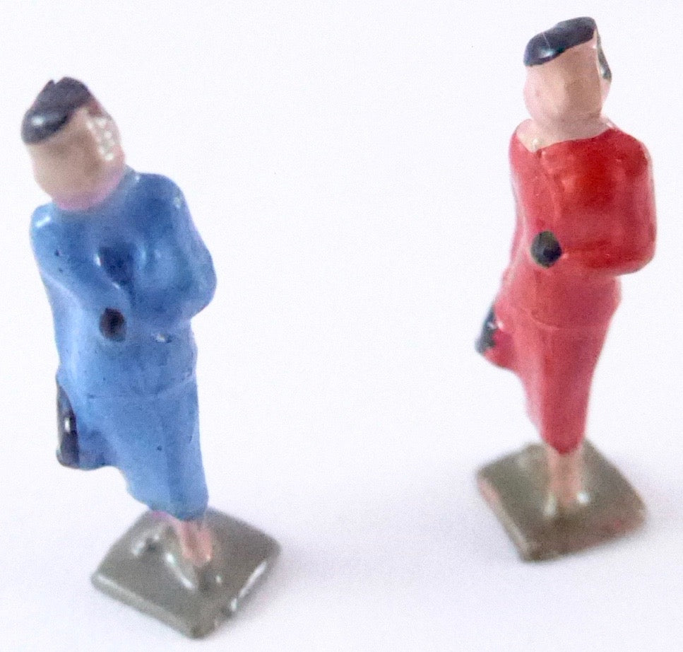 Britains Lilliput Series two ladies with cases