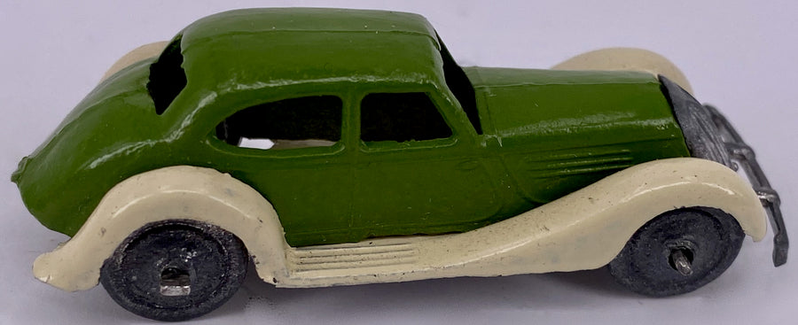 Britains Lilliput series saloon car, boxed, green