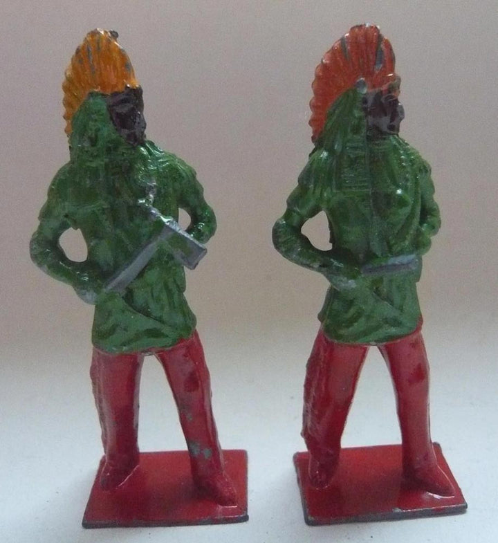 standing Britains North American Indian chiefs, two
