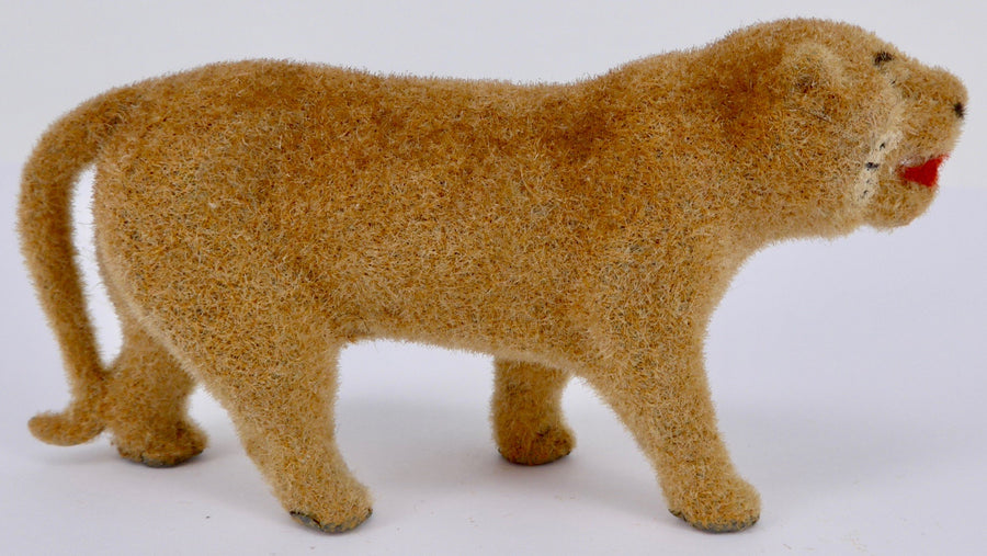 Barrett & Sons / Taylor & Barrett flocked lioness