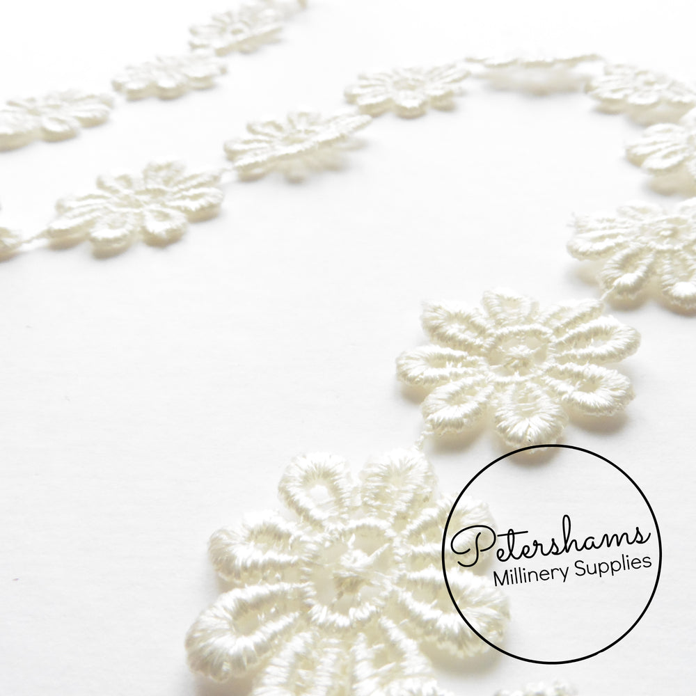 2.5cm (1 inch) Wide Guipure Lace Daisy Flower Embroidered Trim - 1m
