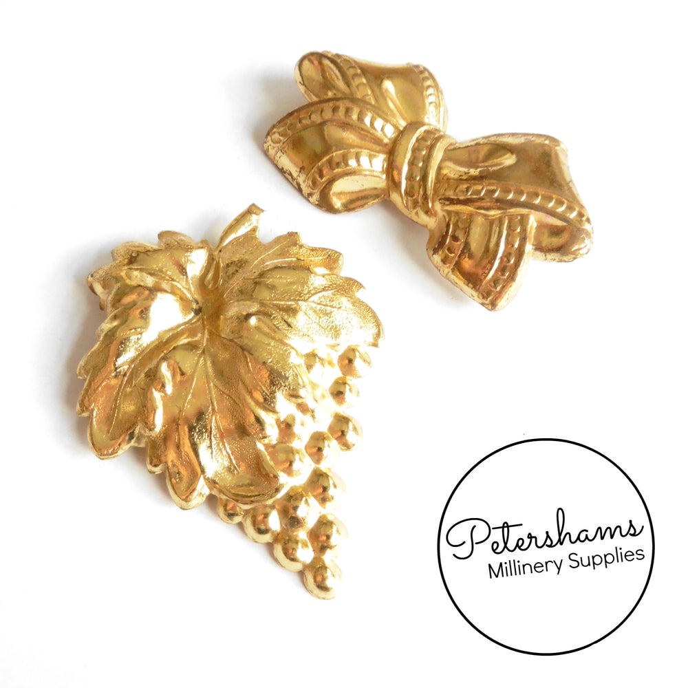 Vintage 1950s Gold Colour Brooch Pin