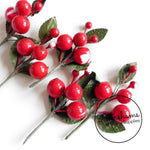 Wounded Vintage 1940s/50s Berry Bunches - 5 Stems