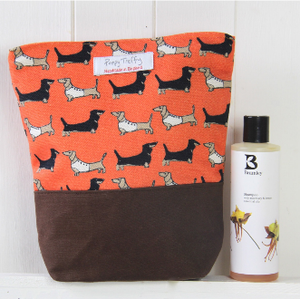 Darling Dachshund Wash Bag
