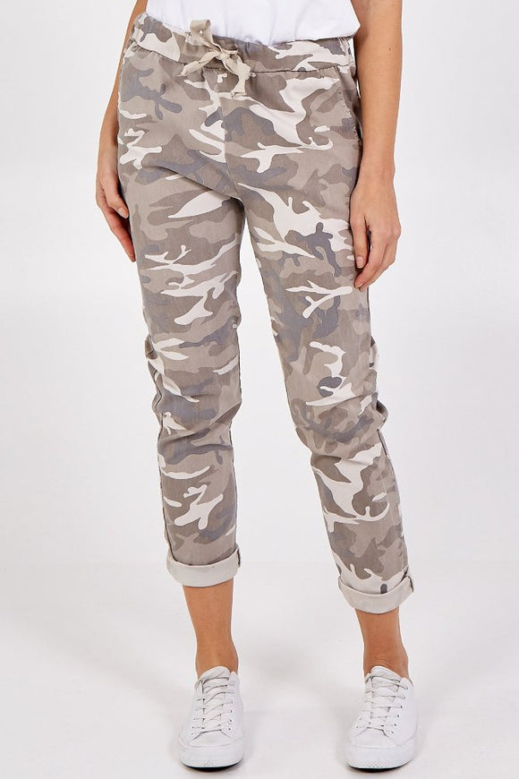 Magic camouflage trousers