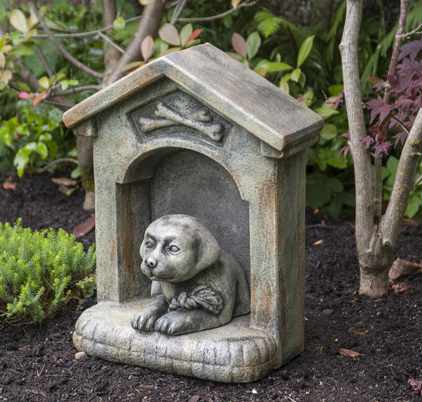 Daisy in the Doghouse in Western Slate finish
