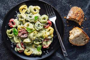 Cheese Tortellini with Creamy Pesto Sauce