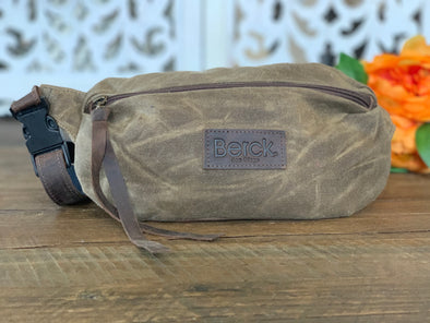 DICKENS Fanny Pack