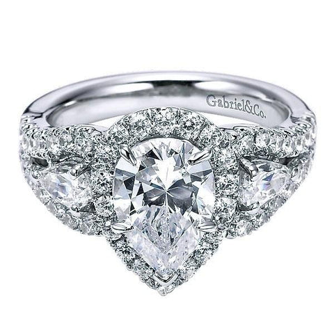 White Gold Pear-Shaped Halo Diamond Engagement Ring