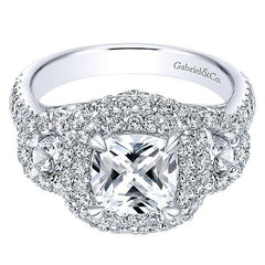 Celebrating the Cushion Cut Diamond