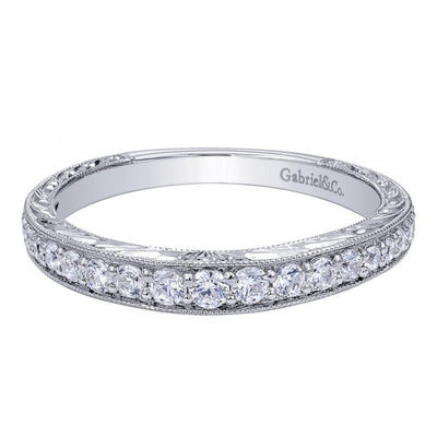 WEDDING - .33cttw Graduated Round Diamond Wedding Band