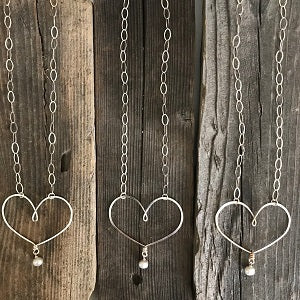 Meaningful Silver Heart Necklaces for Mom