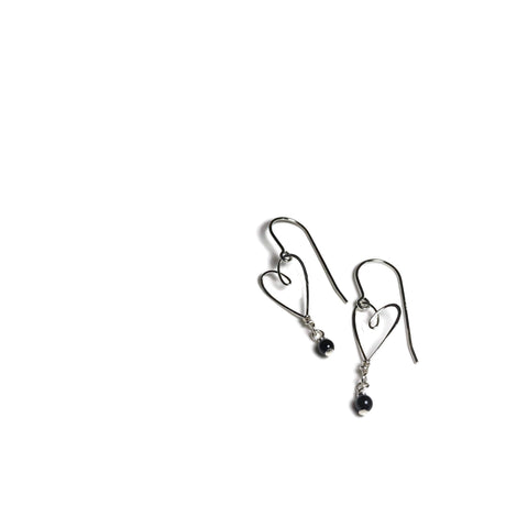 beth jewelry delicate heart-shaped silver wire earrings with small black pearl drops