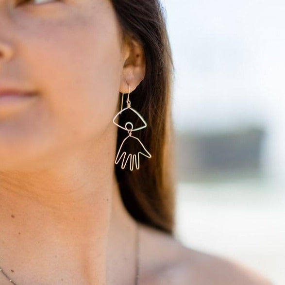 Beth Jewelry hand-eye earrings with oxidized tiny star necklace