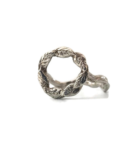 **Pre-Order** Leaf Wreath Ring