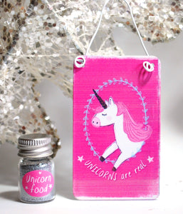 """Unicorns Are Real"" Metal Hanging Sign & Unicorn Glitter 'Food' Gift Set - Reiju"