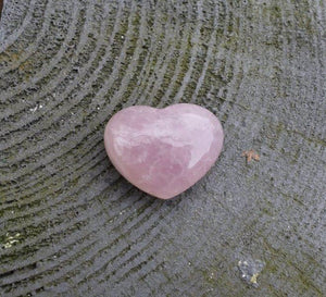 New! Natural Fully Polished Unique Small Rose Quartz Crystal Heart Piece Inc Gift Box