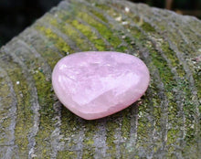 Load image into Gallery viewer, New! Natural Fully Polished Unique Small Rose Quartz Crystal Heart Piece Inc Gift Box