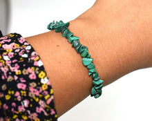 Load image into Gallery viewer, New! Natural Malachite Crystal Polished Chips Bracelet Gift Wrapped
