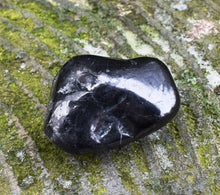 Load image into Gallery viewer, Natural Shungite Protection Crystal Tumble Stone