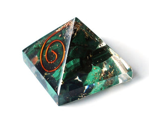 Malachite Crystal Stone Chips Orgone Pyramid Gift - Krystal Gifts UK