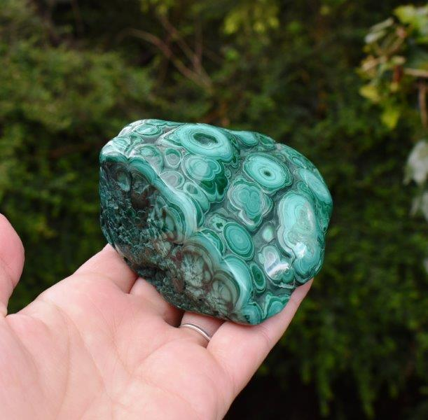 New! Natural & Unique Nephrite Crystal Polished Point 319g Inc Gift Box