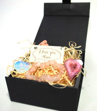 Load image into Gallery viewer, New! 'I Love You Mum' Natural Healing Crystal Gift Boxed Set