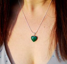 "Load image into Gallery viewer, New! Malachite Polished Crystal Heart 925 Sterling Silver Clasp & 18"" Chain Necklace"