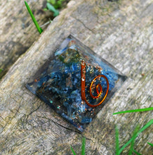 Load image into Gallery viewer, New! Natural Kyanite Crystal Stone Small Orgone Orgonite Pyramid