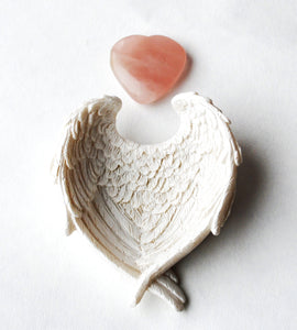 Rose Quartz Heart Stone Crystal in Stunning Detail Ceramic White Angel Wings Dish Gift Set - Krystal Gifts UK