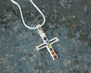 Natural Chakra Crystal 925 Silver Cross Pendant Inc Chain