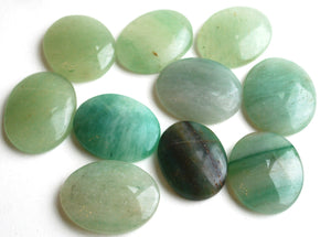 Green Aventurine Natural Polished Crystal Palm Stone